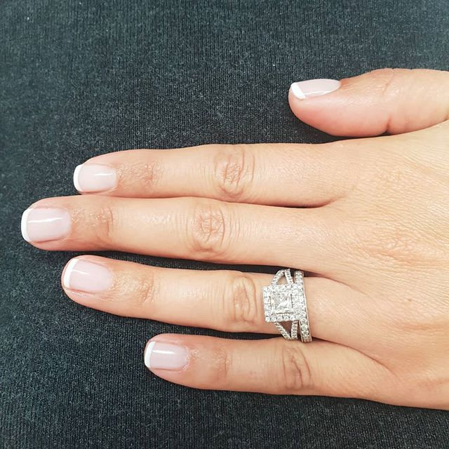 Vernis semi-permanent MAINS french
