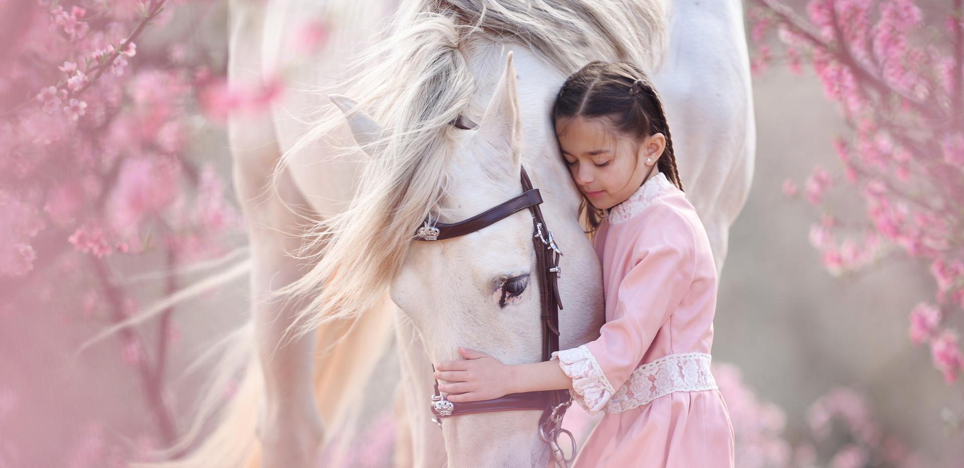 03-März_Majestic-Horses-Kind-Pferd_print