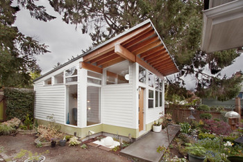 this-seattle-studio-shed-that-is-sited-o