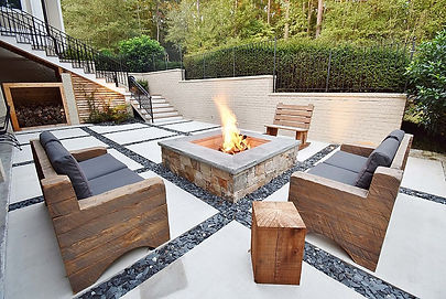 Custom-fire-pit-with-concrete-squares-pa