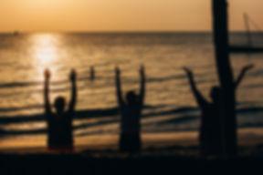 Yoga i soloppgang.jpg