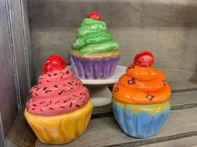 Coil & Pinch Cupcakes
