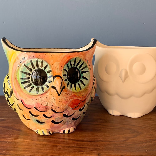 Large Owl Pot