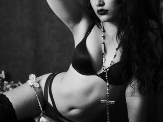 Mystical Boudoir: Photo Set and interview with Sarah