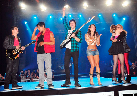 Rebelde TV Record - 2011