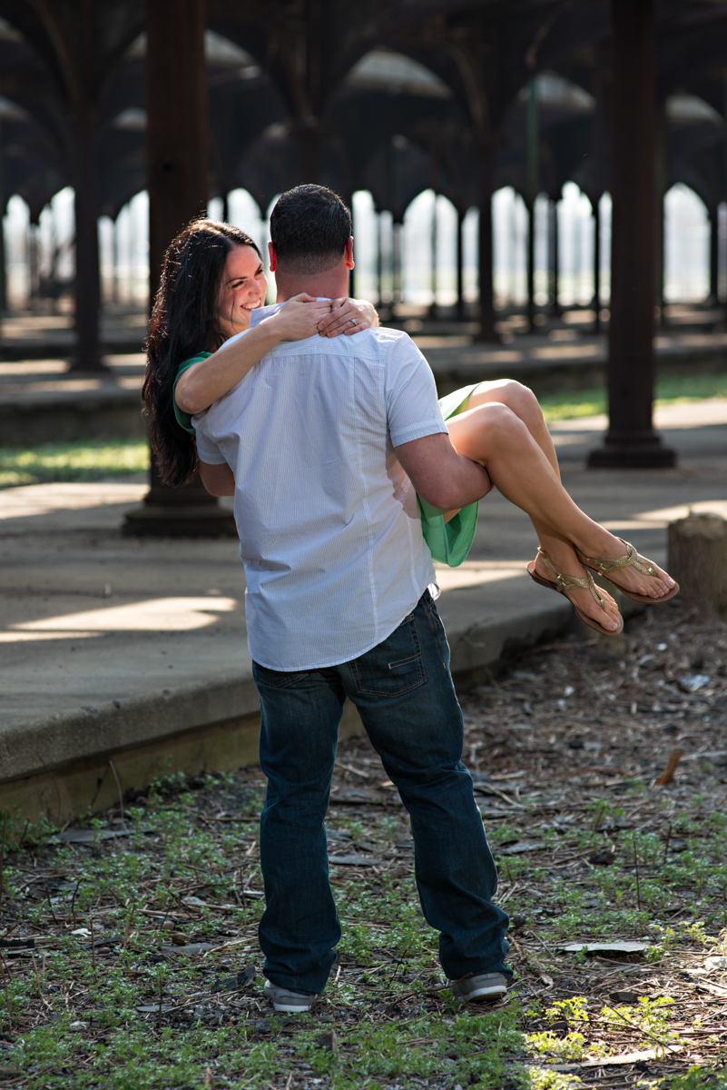 engagement-portrait-liberty-state-park-new-jersey-freedom-tower-photography-www.