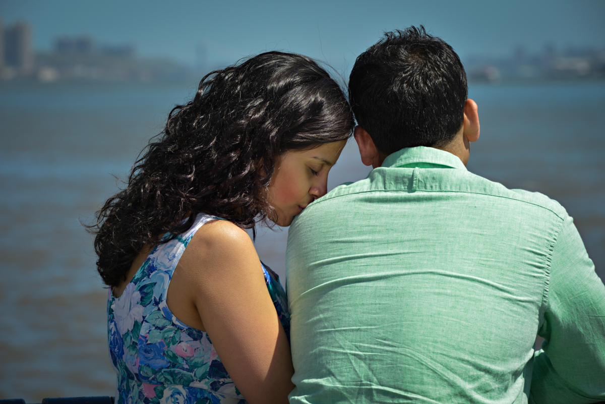 hoboken-ferry-terminal-lackawanna-new-jersey-engagement-portrait-photo-njohnston