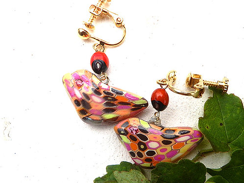 モザイクの鳥とワイルーロのイヤリング*レトロピンク