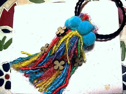 虹色ローシルクのヘアゴム