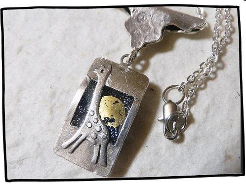 きりんのペンダント~月と銀河