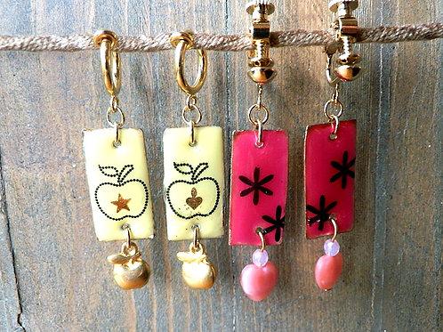 エナメル風プレートイヤリング~花とりんご
