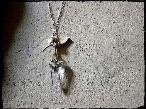 銀の三日月とクリスタルの矢~スワロフスキーシルバーネックレス