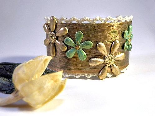 B60 Satu*Satu メタルカフ・金の花*緑の花