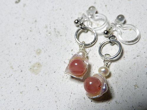 パールのイヤリング 真珠の器にインカの薔薇