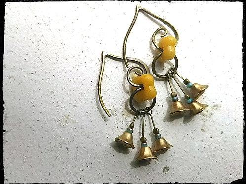 真鍮色のベル*ボヘミアンピアス