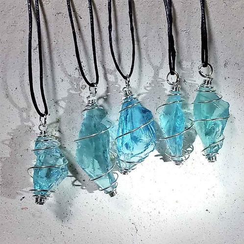 アンダラクリスタルペンダント(アクア)~地球の奇跡・癒やしの自然ガラス