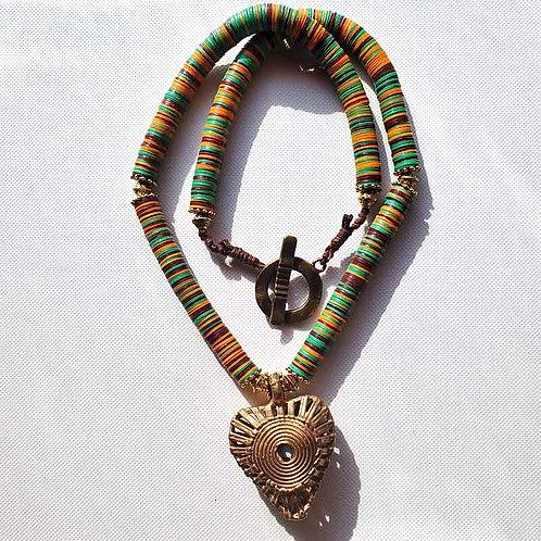 アフリカンビニールディスクネックレス~太陽のハート