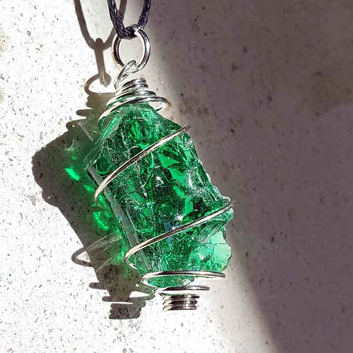 アンダラクリスタルペンダント(エメラルド)~地球の奇跡・癒やしの自然ガラス