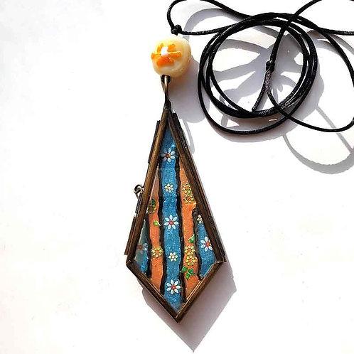 花のステンドグラス風ロケットペンダント2種