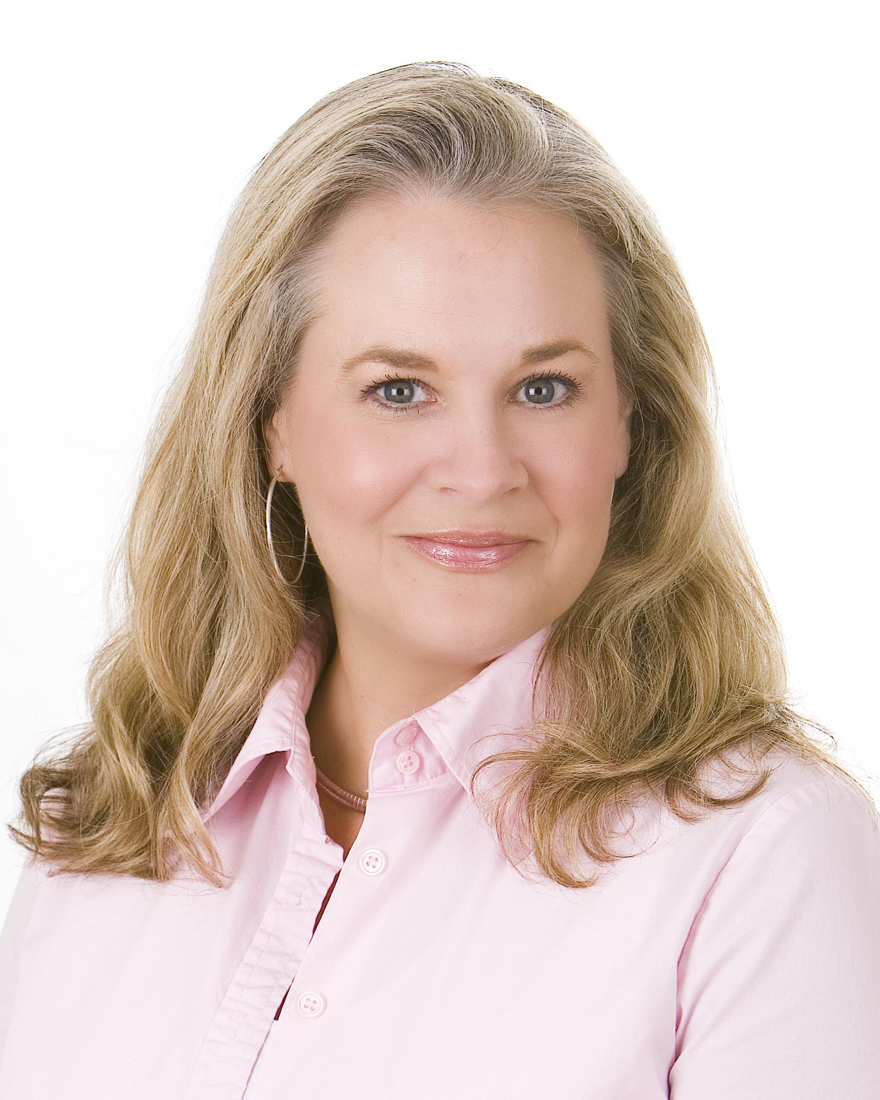 Lisa Moore (HeadShot)