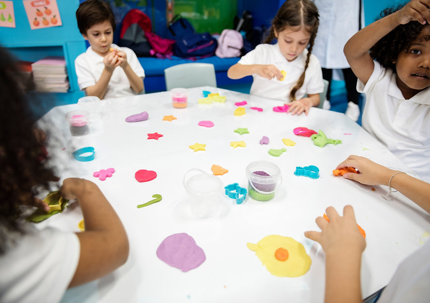 kindergarten-students-learning-shape-wit