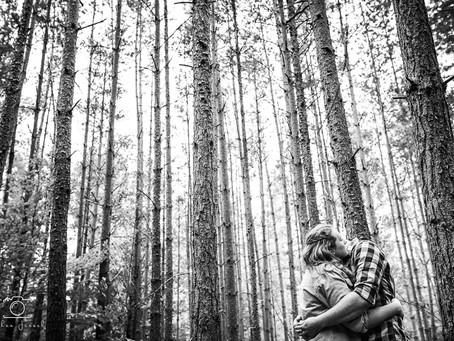 Séance couple avec Julie et Maxime dans les bois d'Alsace