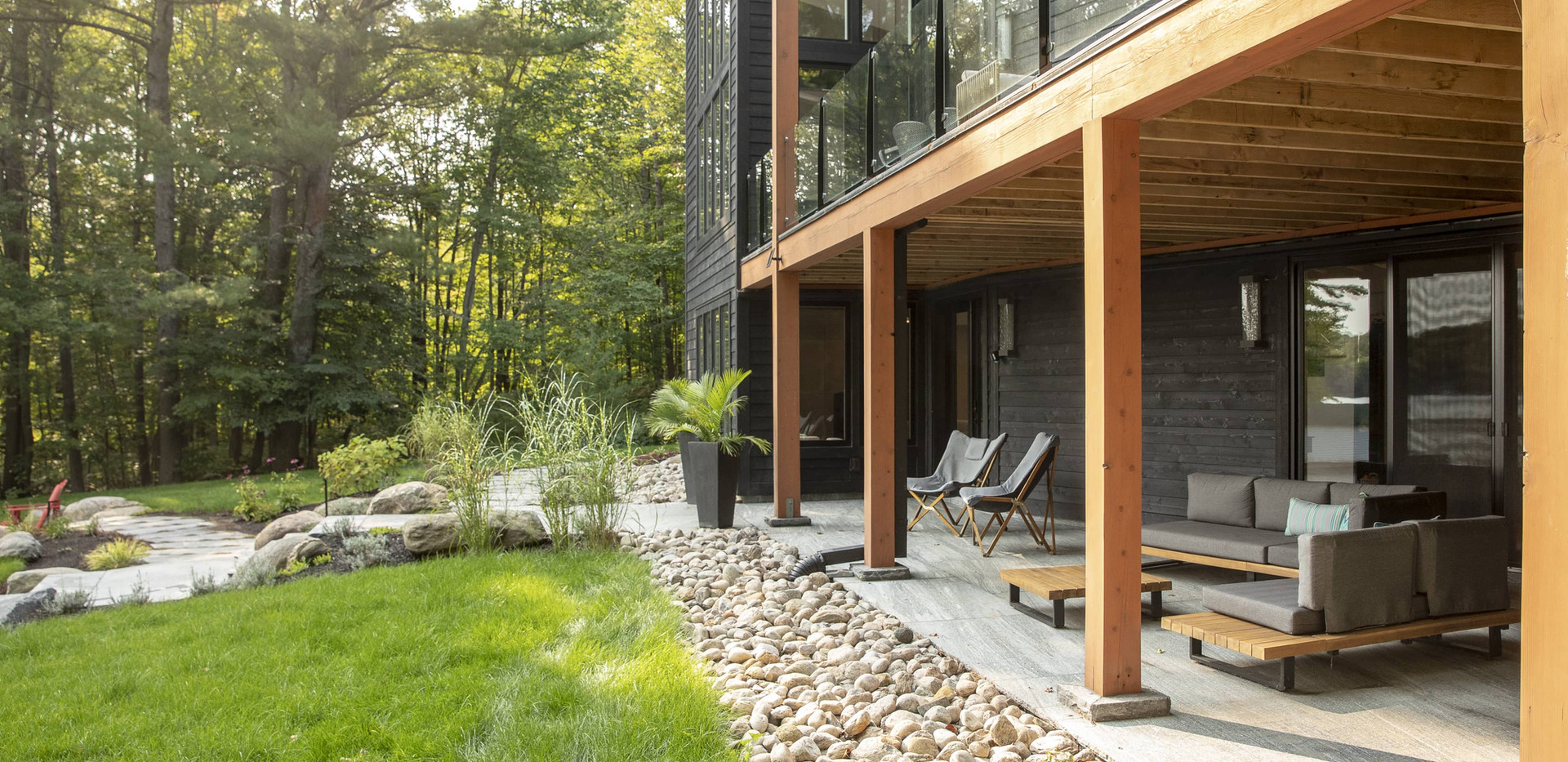 Lower Level Cottage Walk Out Large Contemporary Build Muskoka