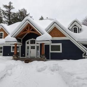 Large Blue Bungalow Cottage Bala