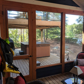 Screened in Porch Cottage Hot Tub