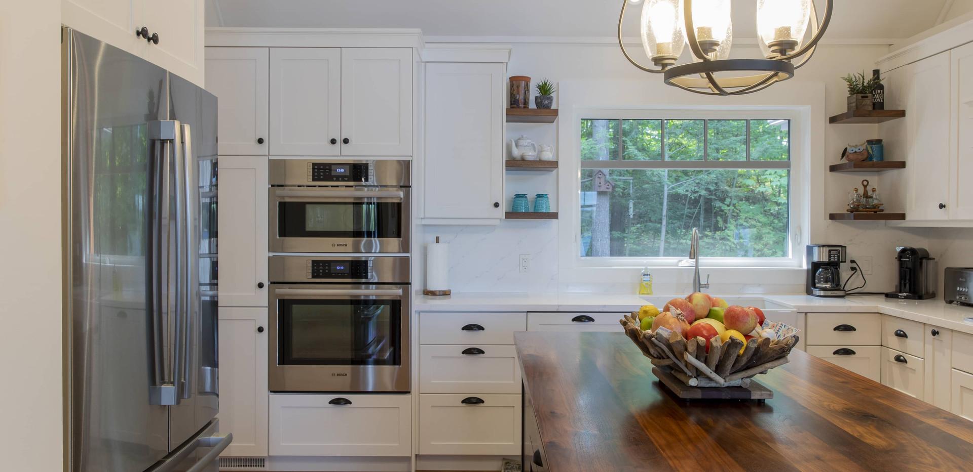 Modern Large White Kitchen Cottage Edenlane Muskoka