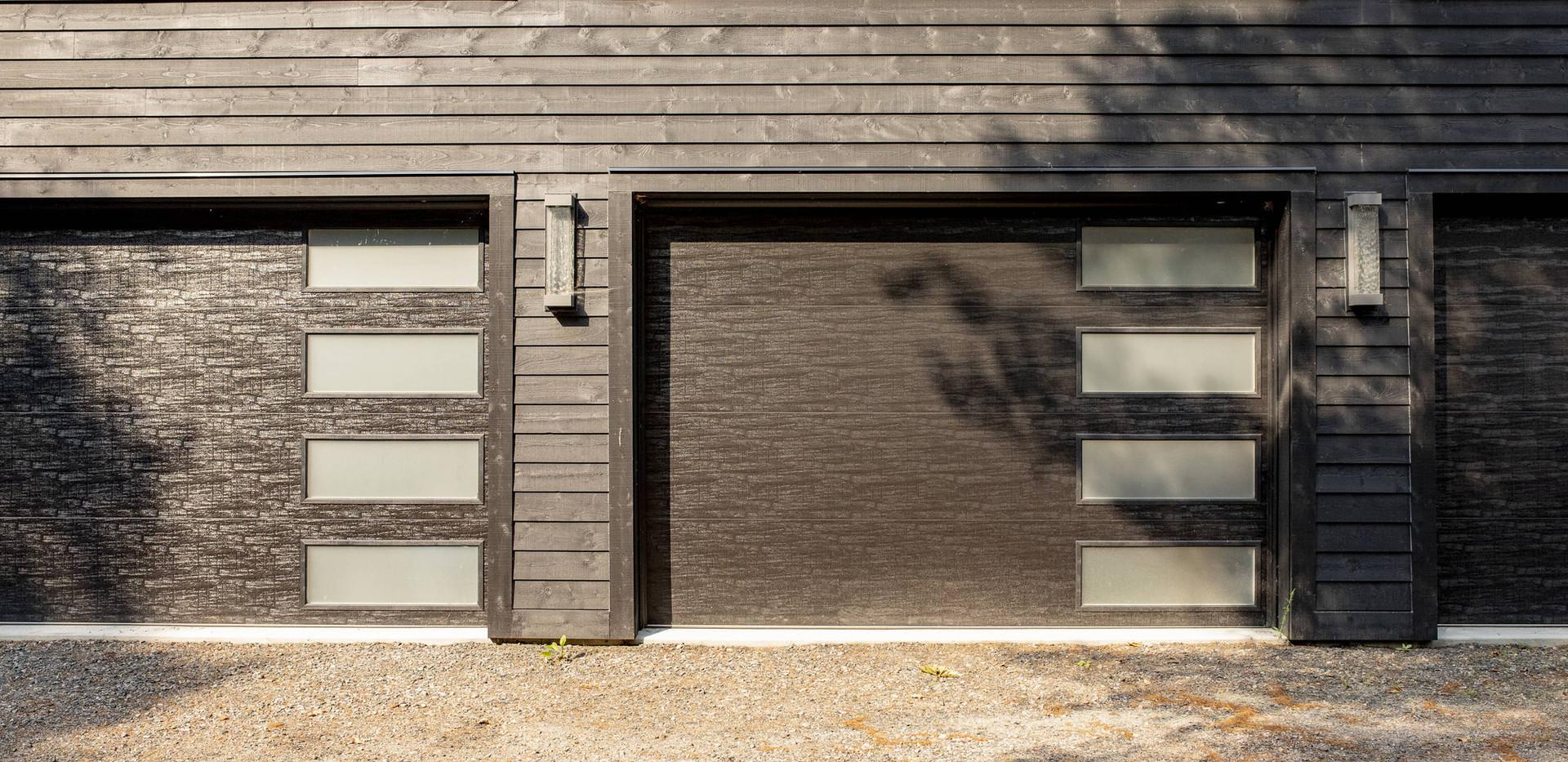 Multi-car Garage for Contemporary Cottage Edenlane Muskoka