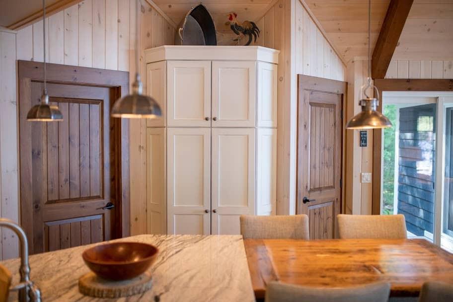 Large Eat-in Kitchen Cottage Edenlane Muskoka