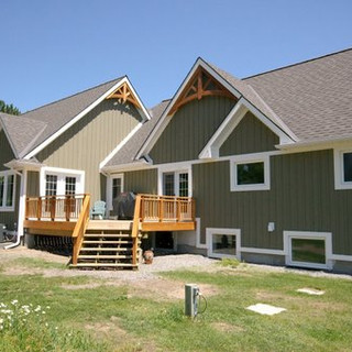 Rear.view of Large Cottagejpg