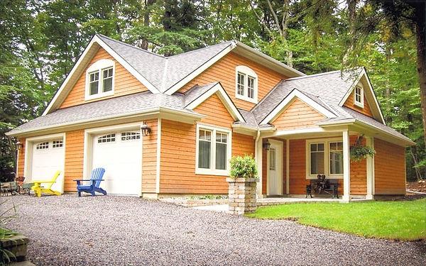 house18-1024x640_edited.jpg