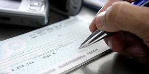 bigstock-Firmar-Un-Cheque-Sign-A-Bank-41