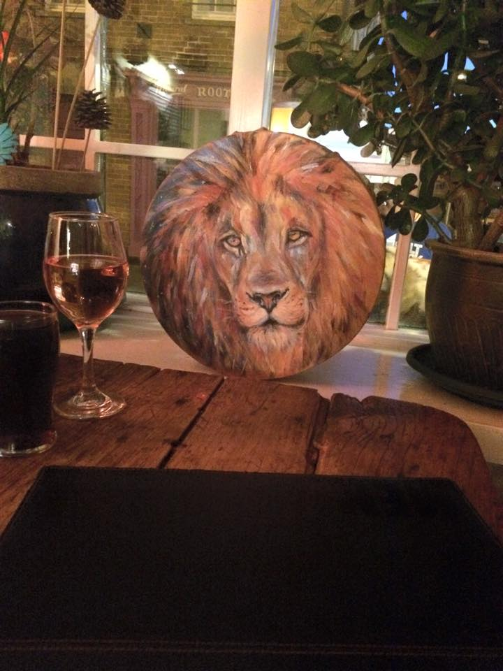 Anna's Lion in the Pub