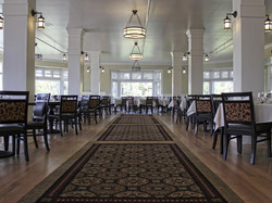 lake-yellowstone-hotel-dining-room-02