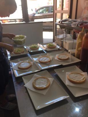 Family Fast Food - Příprava hamburgerů