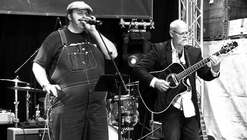 Tom Jack & The Bigharmonicam