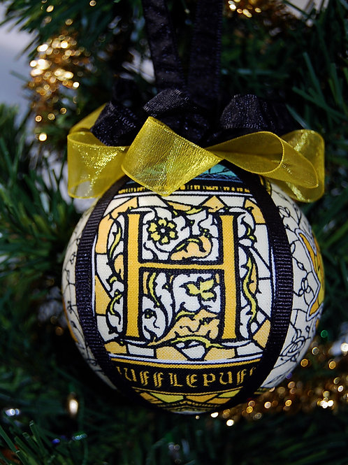 """Wizard House Ornament - Badger/yellow - 3"""""""