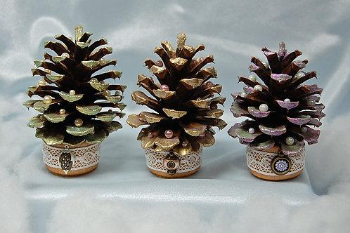 Set of 3 Pine Cone Trees (B) - Shabby chic