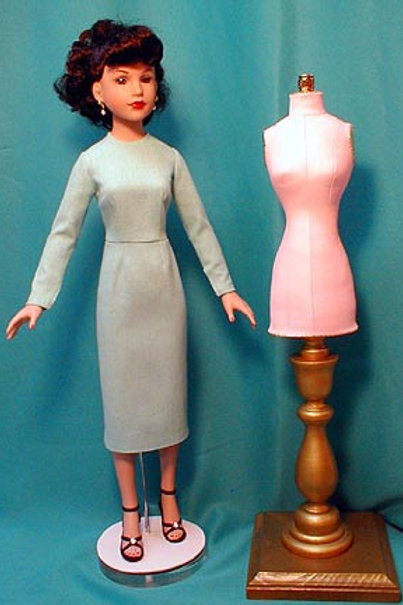 """P1033M-Mannequin and Basic Fitting Garment Pattern for 18"""" Kitty Collier"""