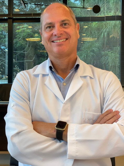 Dr. Fábio Accioli de Vasconcellos - Cirurgião oncológico
