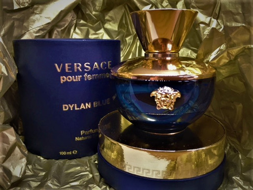 Versace Dylan Blue – A perfume for the modern seductress
