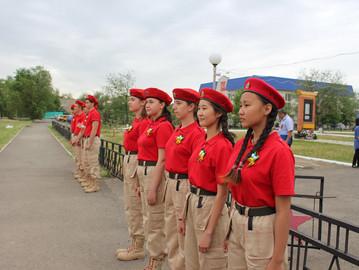 """Юные участники автовелопробега нашли в Калмыкии """"невест"""""""