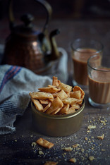 Creative collaboration: Thooda Aur, Mumbai, India.  Food styling   Food Photography   Namak Para   mommade   homemade   snacks   munching