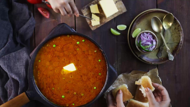 Collaboration with Styling: Nitin Tondon Studios, Mumbai, India.  Food photography | cinemagraph | Product styling | Stop Motion Animation | pav bhaji | Indian street food