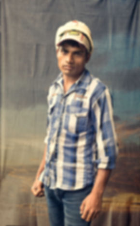 Potrait of workers clicked by shovona karmakar, mumbai, India