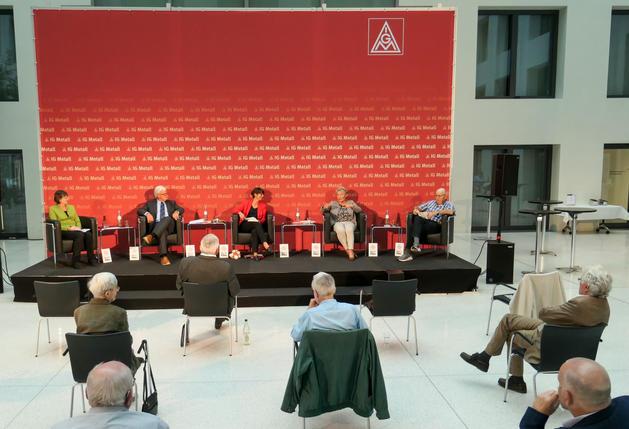 von links: Annette Szegfü, Peter Donath, Sabine Blum-Geenen, Marianne Lutz, Klaus Zwickel