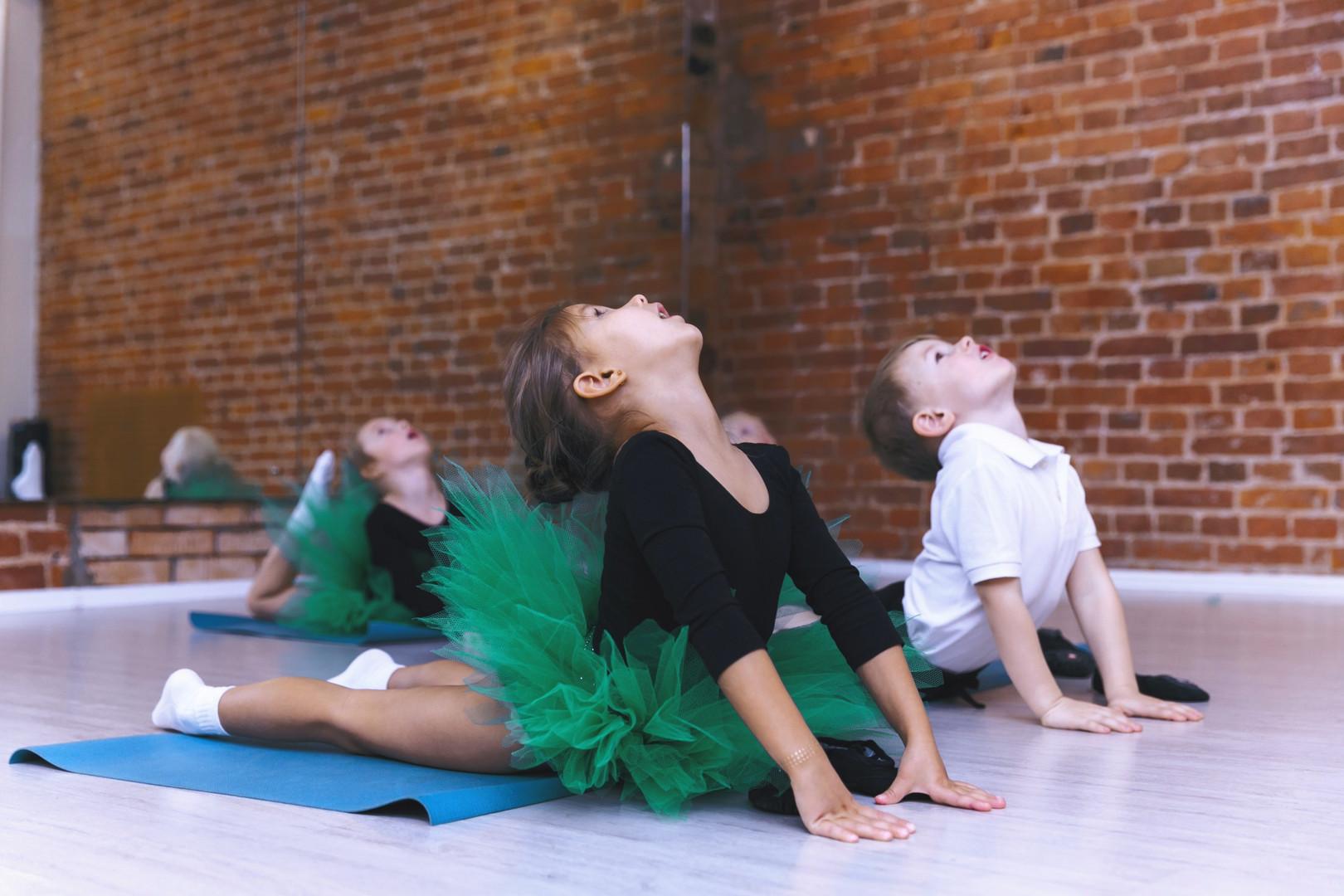 малыши на гимнастике